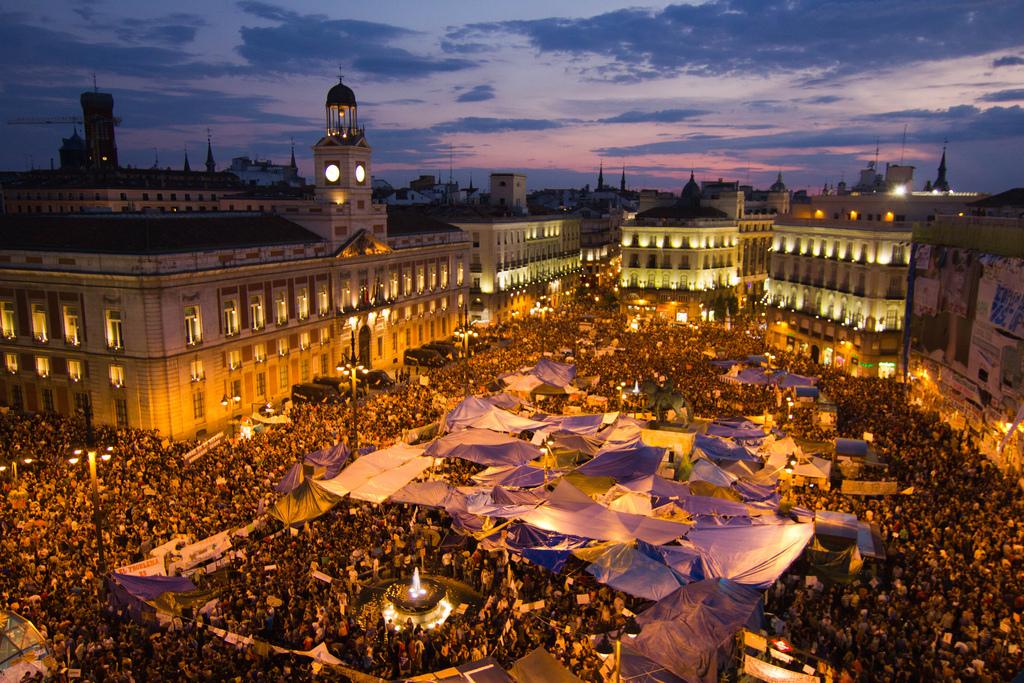 Kureren forslag om totalt protestforbud i madrid sentrum for Av puerta del sol
